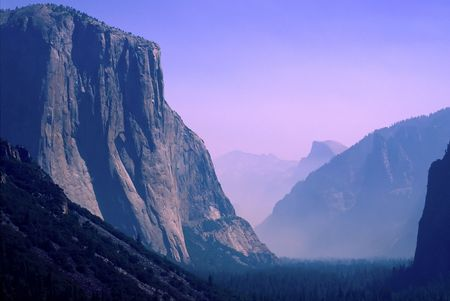largely: Yosemite National Park is a national park located largely in Mariposa and Tuolumne Counties, California, United States. Stock Photo
