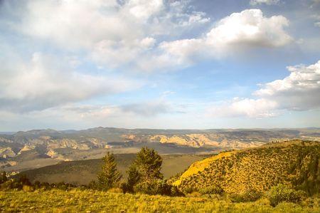 sauropod: Dinosaur Monumento Nacional EE.UU. es un Monumento Nacional ubicado en el flanco sureste de las Monta�as Uinta en la frontera entre los Estados americanos de Colorado y Utah en la confluencia de los Green y Yampa Rivers.