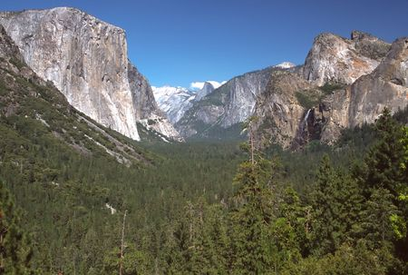 tunnel view: Tunnel View, within Yosemite National Park, is a viewpoint on State Route 41 located directly east of the Wawona Tunnel as one enters Yosemite Valley from the South. The view looks east into Yosemite Valley including the southwest face of El Capitan, Half