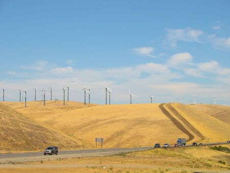 san joaquin valley: Widmills on Altamont Pass in California