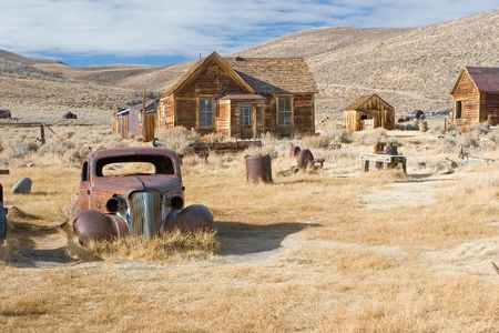 sierra nevada mountain range: Bodie, California is a ghost town east of the Sierra Nevada mountain range in Mono County, California