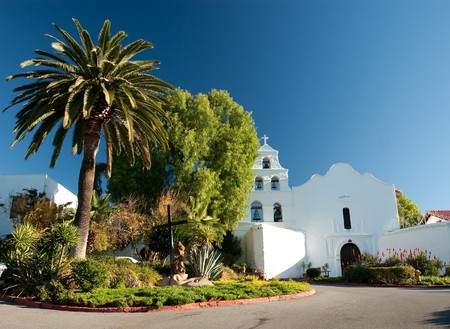 Mission San Diego de Alcal�, also known as the San Diego Mission Church, was founded on July 16, 1769, the first in the twenty-one Alta California mission chain established by Father Presidente Jun�pero Serra 免版税图像