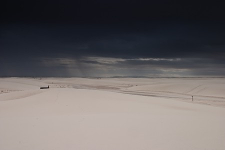 White Sands National Monument is a U.S. National Monument located about 25 km (15 miles) southwest of Alamogordo in western Otero County and northeastern Dona Ana County in the state of New Mexico Stock Photo - 4506231