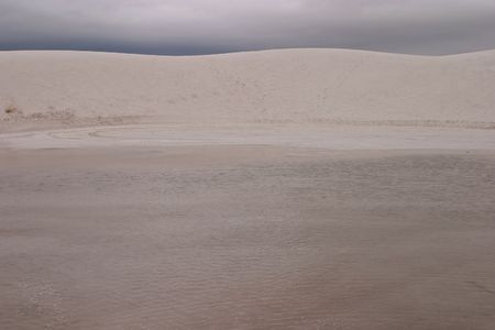White Sands National Monument is a U.S. National Monument located about 25 km (15 miles) southwest of Alamogordo in western Otero County and northeastern Dona Ana County in the state of New Mexico Stock Photo - 4667608