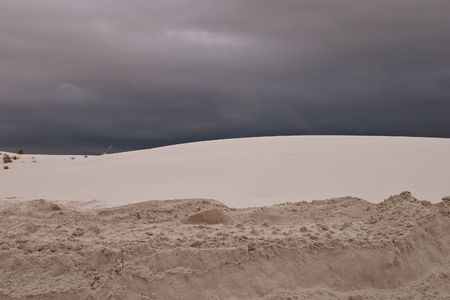 White Sands National Monument is a U.S. National Monument located about 25 km (15 miles) southwest of Alamogordo in western Otero County and northeastern Dona Ana County in the state of New Mexico Stock Photo - 4680009