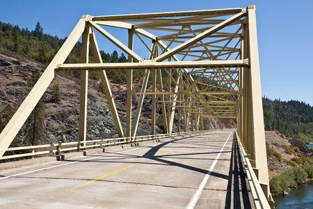rogue: Steel bridge on Rogue River near Merlin, Oregon