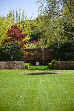 acres: Filoli is a country house set in 16 acres (6.5 ha) of formal gardens surrounded by 654 acres (265 ha) estate, located in Woodside, California, about 25 miles (40 km) south of San Francisco, at the southern end of Crystal Springs Lake, on the eastern slope