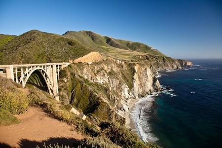 big sur: Bixby Creek Bridge is a reinforced concrete open-spandrel  arch bridge in Big Sur, California.