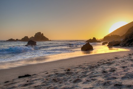 sur: Pfeiffer Beach in Big Sur is an incredibly scenic beach.