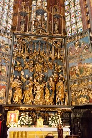 retablo: Retablo de Veit Stoss, es el mayor retablo g�tico en el Mundo Editorial