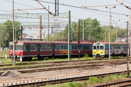Electric multiple unit train consisting of self-propelled carriages, using electricity as the motive power. Editöryel