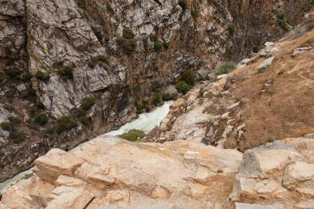 kings canyon national park: Kings Canyon National Park is a U.S. National Park in the southern Sierra Nevada, east of Fresno, California.