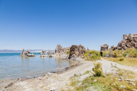 Mono Lake Tufa State Natural Reserve is located near Yosemite National Park within Mono County, in eastern California. 版權商用圖片 - 20343583
