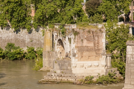 spanned: Pons Aemilius is the oldest Roman stone bridge in Rome, Italy. It once spanned the Tiber, connecting the Forum Boarium with Trastevere; a single arch in mid-river is all that remains today, lending the bridge its name Ponte rotto (Broken bridge).