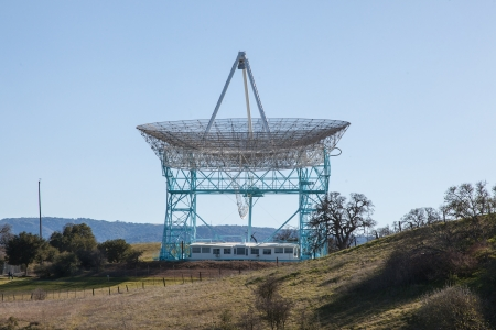 The Stanford Dish loop is a popular route in Palo Alto suitable for running, walking, and hiking.