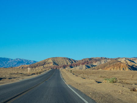 Badwater Road is not only one of the main roads through Death Valley but it is also packed with many of the Parks' most popular attractions. Imagens - 26038238