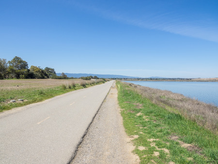 Shoreline Park is a park in Mountain View, California, USA. It was originally a landfill for San Francisco garbage. 写真素材