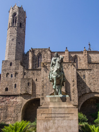 "Full-sized equestrian statue of Count Ramon Berenguer III ""the Great� in Barcelona Editorial"