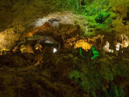 カールズバッド洞窟群国立公園は、南東部のニュー メキシコのグアダルーペ山脈のアメリカ合衆国国立公園です。