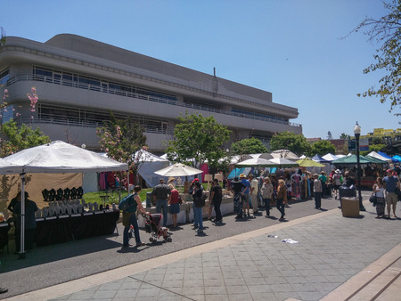 wine trade: MOUNTAIN VIEW, CA - MAY 2-3: 19th Annual A La Carte & Art Festival on May 2-3, 2015 in Mountain View.
