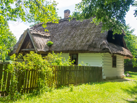 lubelskie: Straw-thatched house at historic Lublin Open Air Village Museum