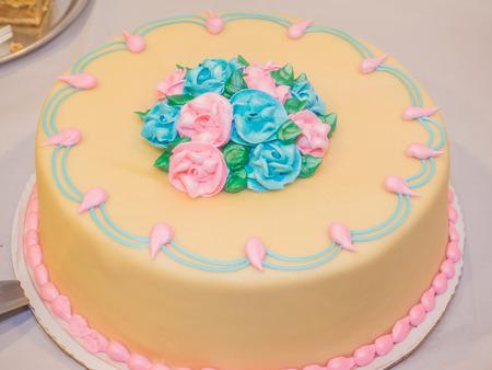battesimo: Marzapane deliziosa coperto torta battesimo fatto per la vostra festa di battesimo. Archivio Fotografico