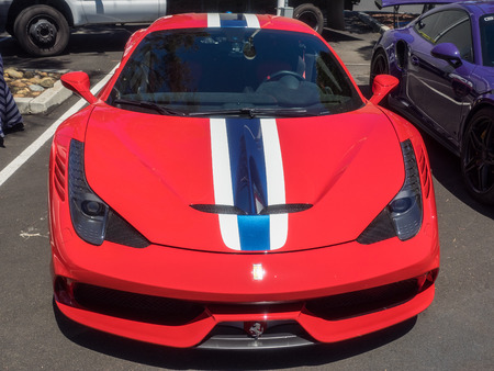 Menlo Park, CAUSA - June 18, 2016: Car Show and Fathers Day BBQ at Facebook Farmers Market in Menlo Park, CA. Redakční