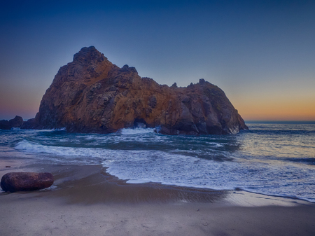 sur: Pfeiffer Beach is located in the heart of Big Sur and is one of the favorite beaches in all of Big Sur. Stock Photo