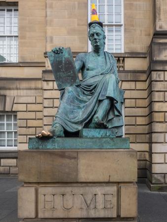 mile: Statue of David Hume on the Royal Mile in Edinburgh.