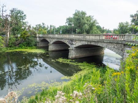 iconography: Olawski Bridge is a road bridge over the Olawa River in Wroclaw, Poland.
