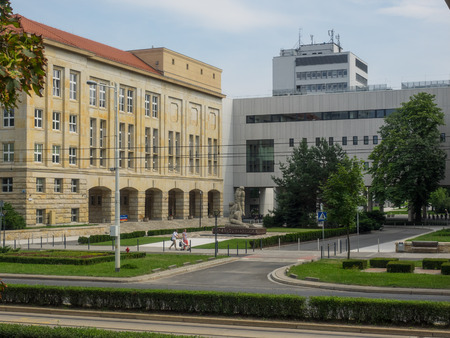 science education: Wroclaw University of Technology is an autonomous technical university in Wroclaw, Poland. With buildings dispersed throughout the city, its main facilities are gathered at a central location near  Grunwaldzki Square, alongside the Oder river.
