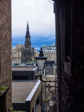 sir walter scott: Advocates Close issteep and narrow close that offers attractive views to Princes Street and the Scotts Monument.