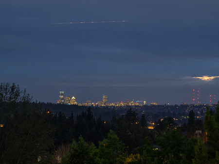 Seattle skyline view on cloudy day. Stok Fotoğraf
