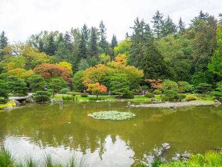 Seattle Japanese Garden is a 3.5 acre Japanese garden in the Madison Park neighborhood of Seattle. Imagens