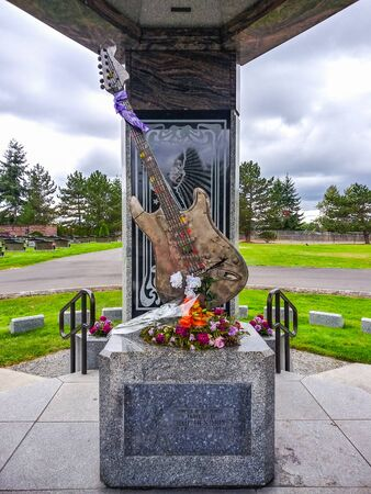 Official website of the Jimi Hendrix family and the new Jimi Hendrix Memorial at Greenwood Memorial Park in Renton, Washington. Zdjęcie Seryjne
