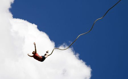 puenting: Bungee jumping