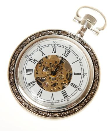 reloj antiguo: antiguo reloj de bolsillo en el fondo blanco Foto de archivo
