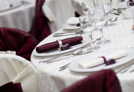 Elegante decoración de la mesa en un restaurante Foto de archivo - 14032040
