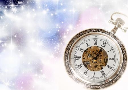 reloj antiguo: S del Año Nuevo en la medianoche