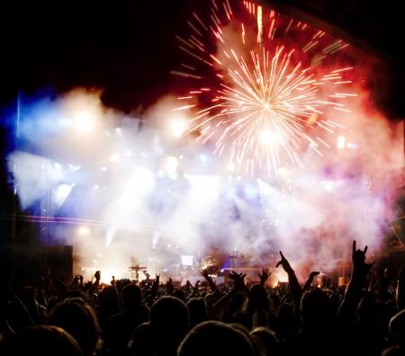 Crowd bei Konzert Standard-Bild - 18270960