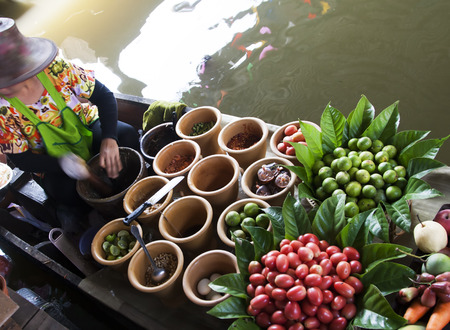 ferrying: Floating market, Thailand