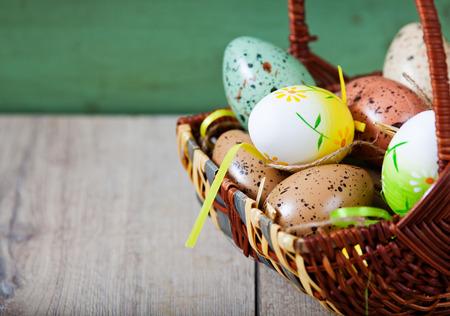 pasen schaap: De decoratie van Pasen met eieren en schattige lamsvlees en bunny Stockfoto