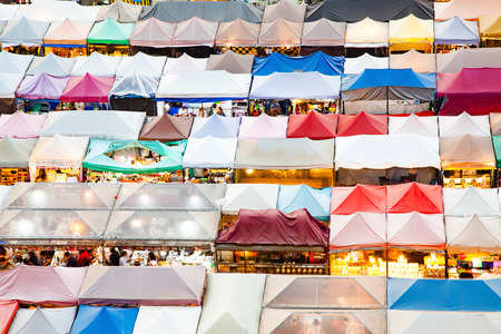 colorful Night Train Market Ratchada, Bangkok, Thailand Reklamní fotografie - 121339399
