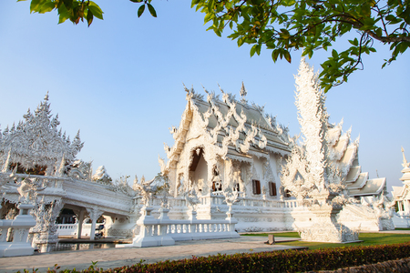 wat Rong Khun The famous White Temple in Chiang Rai, Thailand Reklamní fotografie - 121339940