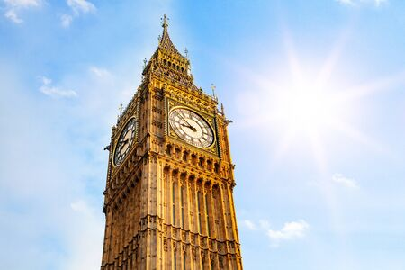 big ben against blue sunny background - heat wave in the UK Фото со стока