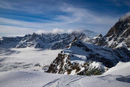 cime innevate nelle Alpi svizzere Matterhorn ghiacciaio paradiso Archivio Fotografico