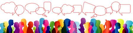 Multitud hablando. Habla entre personas. Comunicar. Grupo de personas silueta de perfil de color. Burbuja de diálogo. Discurso Foto de archivo