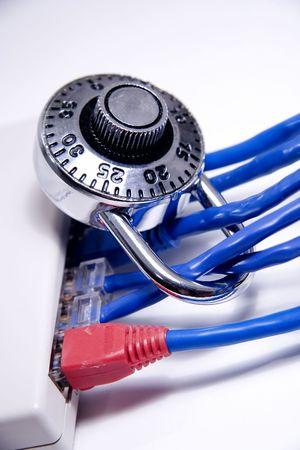 Netwerk kabels met vergrendeling op hen Stockfoto