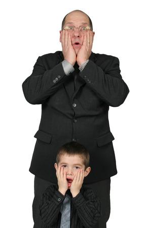 little business man: Big Business Man y Little Man Negocios junto con las manos a la cara all�