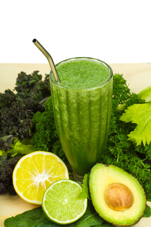 Delicious detox, healthy raw green vegetable smoothie with copy-space Standard-Bild